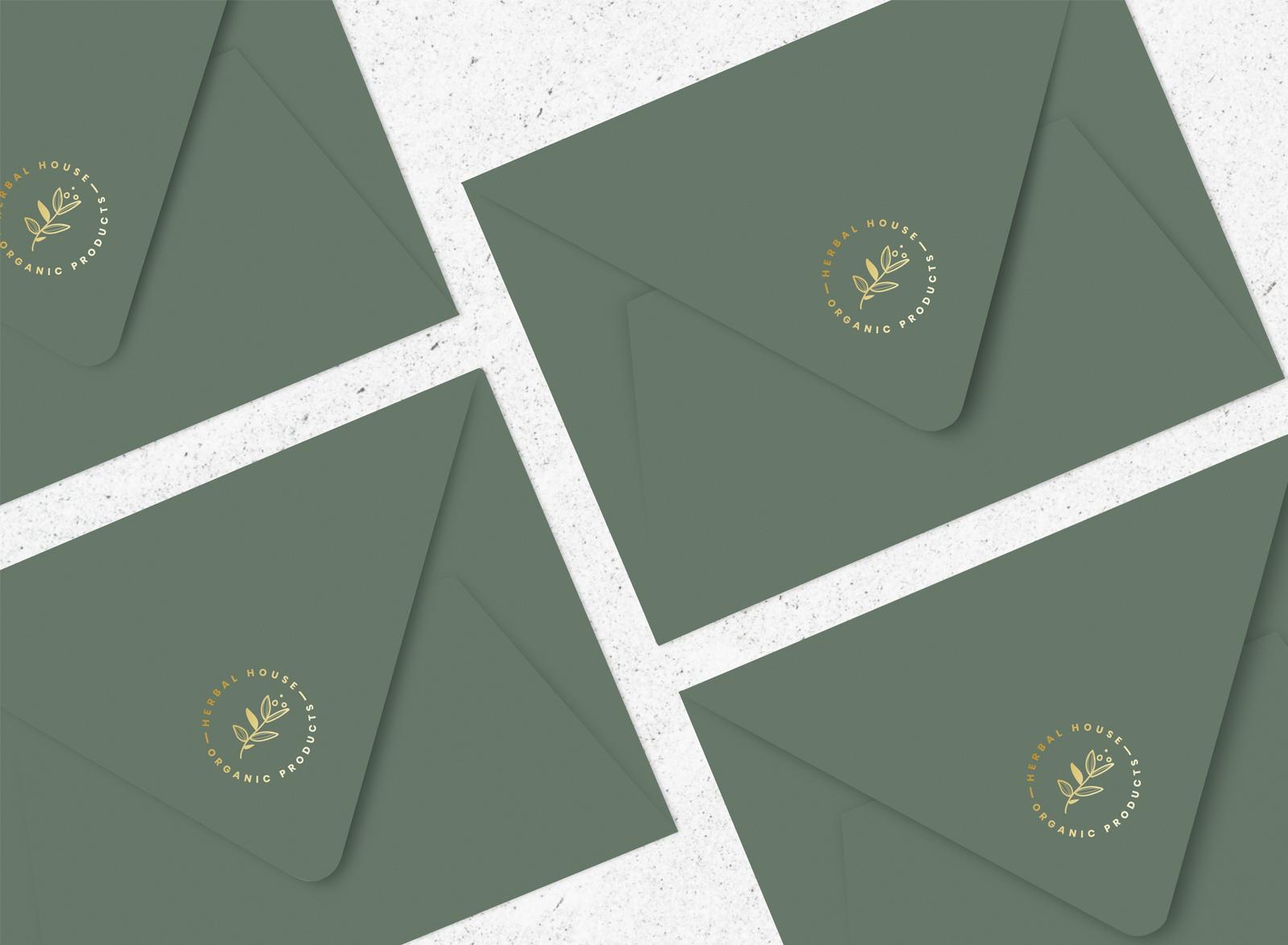 Parce que l'identité d'une marque passe aussi par les supports papiers de celle-ci, nous aimons vous accompagner jusqu'à la préparation de vos fichiers d'impression. www.lacremedelacom.fr/